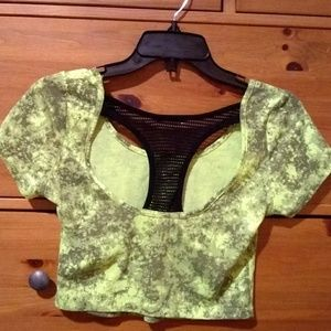 Tops - Bright high quality crop top